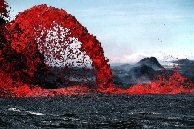 Fire fountains also occur on Earth, mostly in Hawaii, but are caused by expanding water and carbon dioxide, not monoxide. Thi