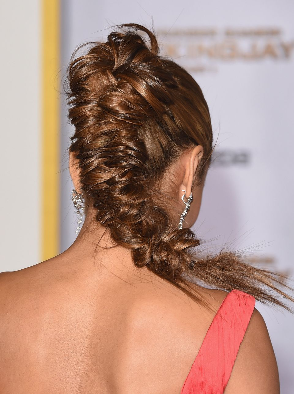 17 Photos That Will Inspire You To Learn How To Fishtail Braid ...
