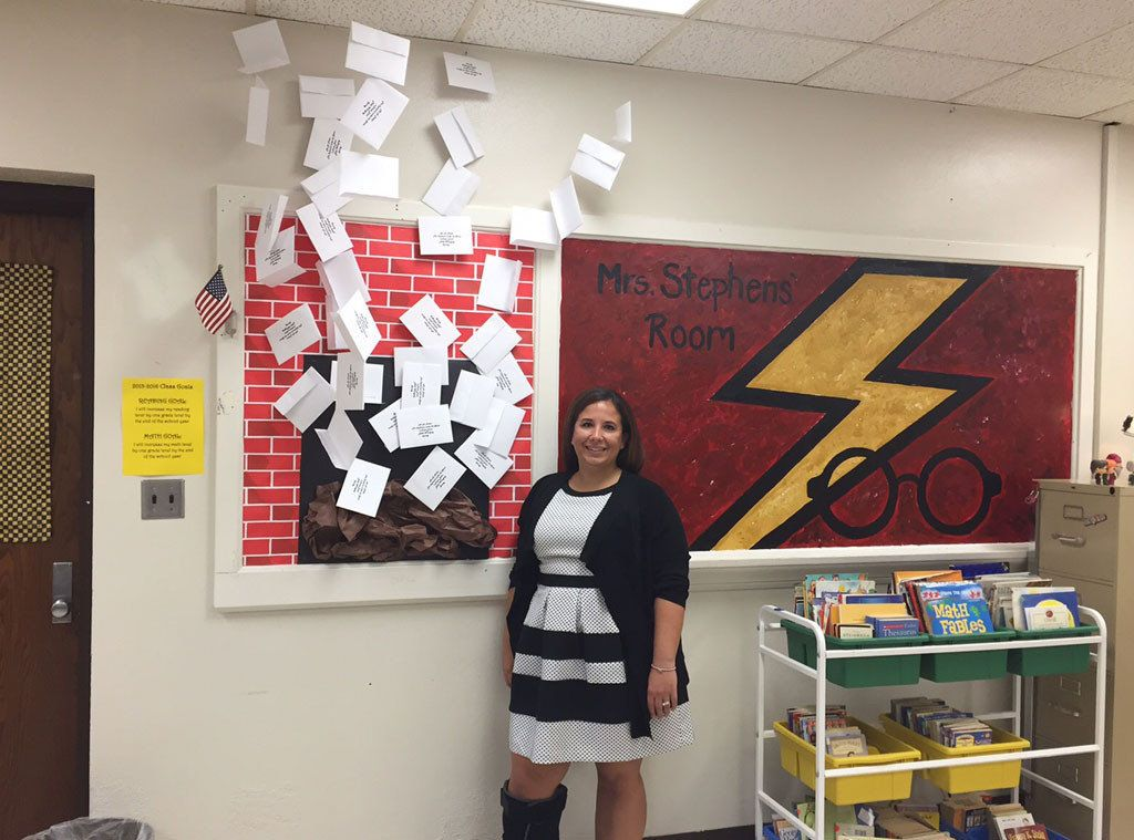 This Teacher S Harry Potter Themed Classroom Is Truly Magical Huffpost Life