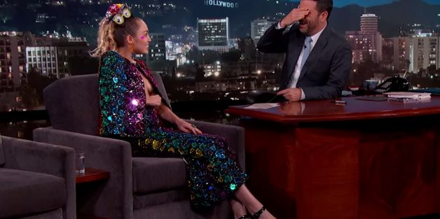Miley Cyrus Flashes The Crowd At 'Jimmy Kimmel Live' Because She Can't Stop