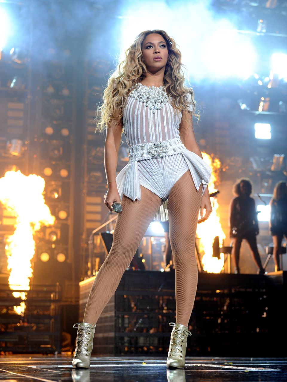 """IMAGE DISTRIBUTED FOR PARKWOOD ENTERTAINMENT - Singer Beyonce performs on her """"Mrs. Carter Show World Tour 2013"""" at Staples C"""