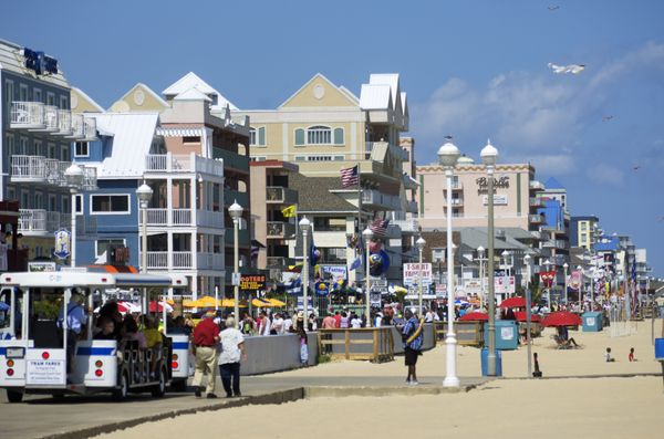 """The beach and the boardwalk are great, but it's those <a href=""""http://ococean.com/dining/seafood-crab-houses"""">spicycrab"""