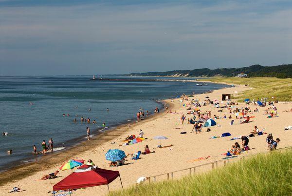 "Few placestrump the charm of Michigan's little lake towns. Start in<a href=""http://www.saugatuck.com/beaches.asp"""