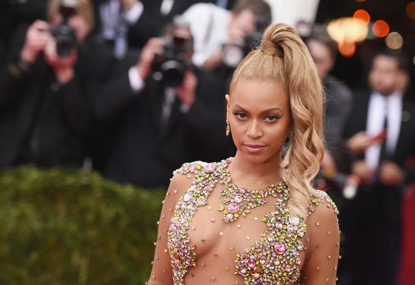 <span>Queen Bey isn&rsquo;t only known for running the world with her chart-topping hits, she also provided housing for Hurri