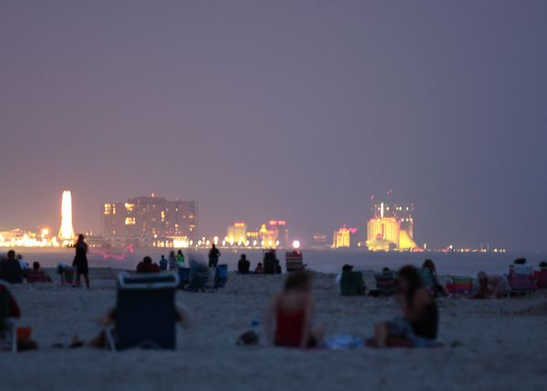 """A number of <a href=""""http://www.new-jersey-leisure-guide.com/fireworks.html"""">firework celebrations downthe Jersey Shore"""