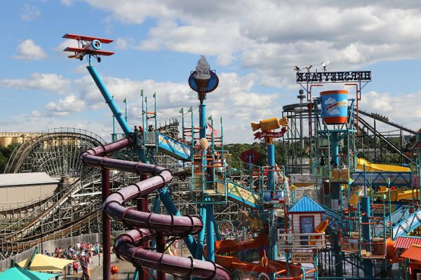 """There's nothing more classic than aday at thewaterpark, with a <a href=""""http://www.hersheypark.com/rides/search.p"""