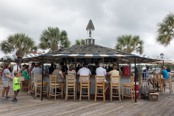 """This world-famous eatery is right on the water.<a href=""""http://cruise.saltydog.com/"""">Take a happy hour cruise on the Sa"""