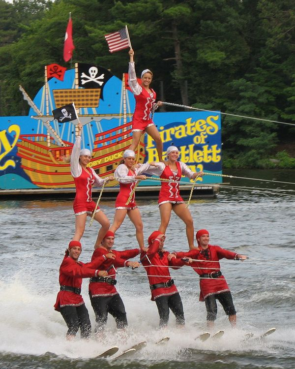 """You can watch theDells'<a href=""""http://www.tommybartlett.com/"""">famous water ski shows</a> between trips to the <a"""