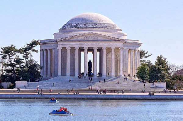 """Our capital's majormonuments are <a href=""""http://www.tidalbasinpaddleboats.com/directions_hours.html"""">best seen from th"""