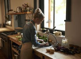 5 Essential Kitchen Tools That Will Save You Money