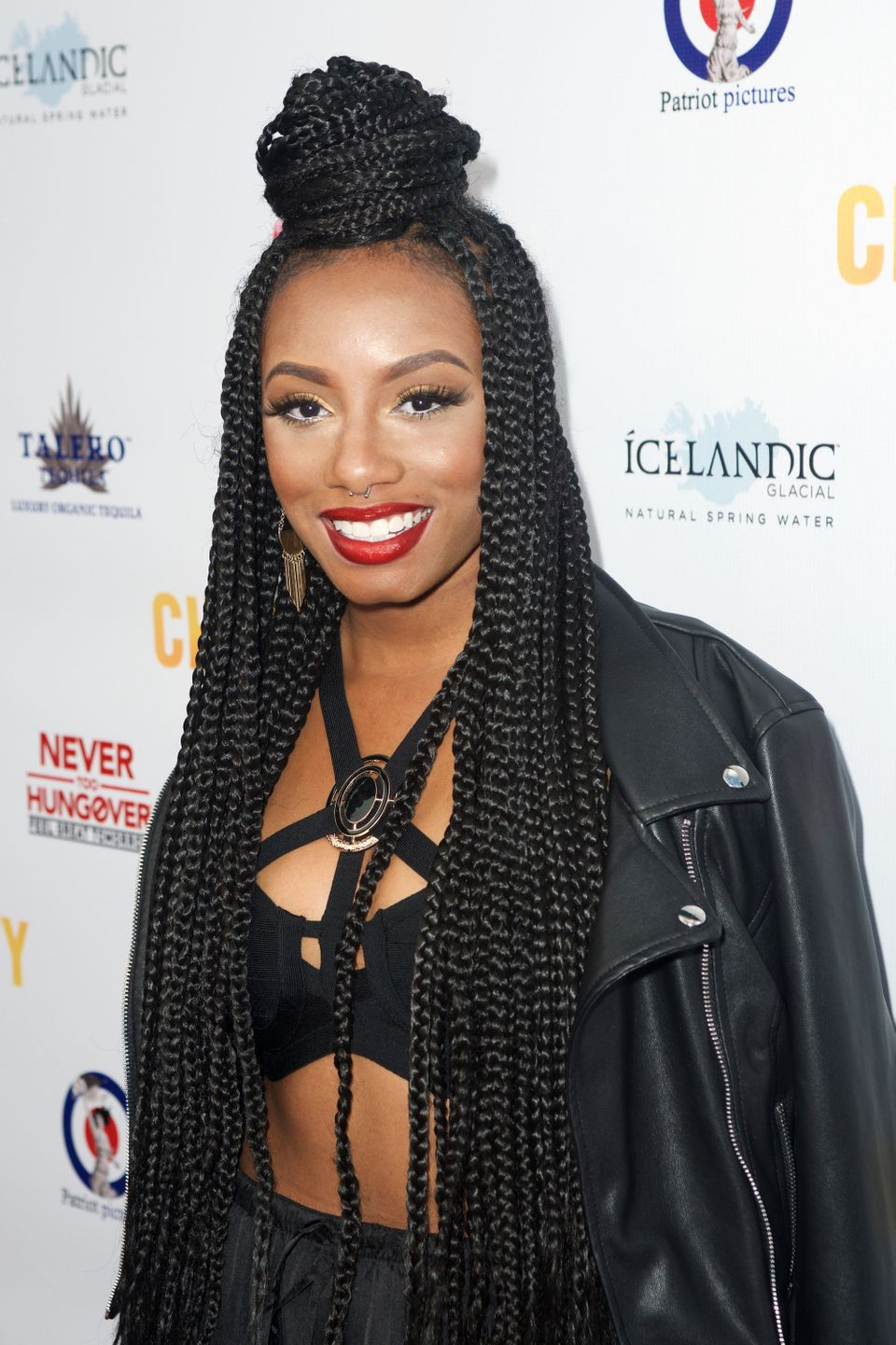 Slightly Thicker Than A Regular Box Braid Wearing These Jumbo Braids Extra Long Will Give You Stand Out Style That S Got More Weight And Presence