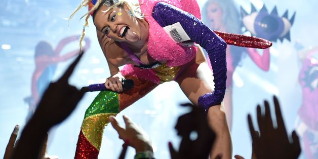 Hi, Internet, Here's The Best Way To Hate On Miley Cyrus