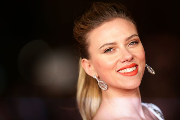 "In an interview with Glamour <a href=""http://www.nydailynews.com/entertainment/gossip/scarlett-johansson-insulting-nickn"