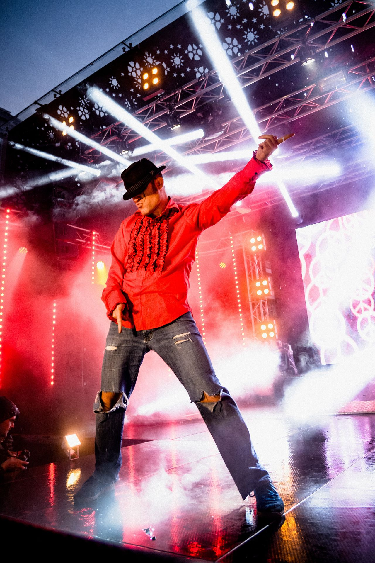 """<p><span style=""""color: #000000; font-family: Verdana, Arial, Helvetica, sans-serif; font-size: 11px; background-color: #ffffff;"""">Patrick """"Ehrwolf"""" Culek performs during the 2015 Air Guitar World Championships. </span></p>"""