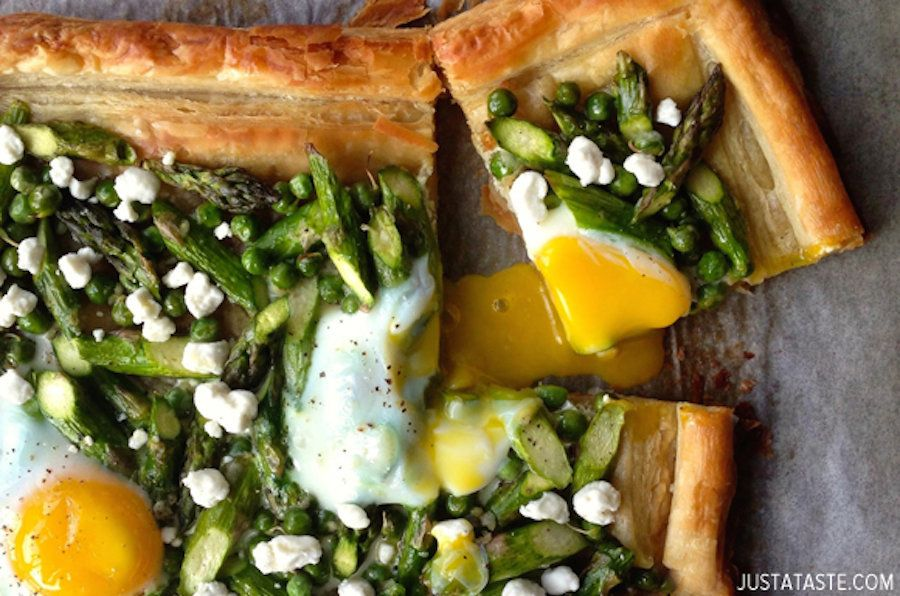 "<strong>Get the <a href=""http://www.justataste.com/2014/06/asparagus-baked-egg-goat-cheese-tart-recipe/"">Asparagus, Goat Chee"