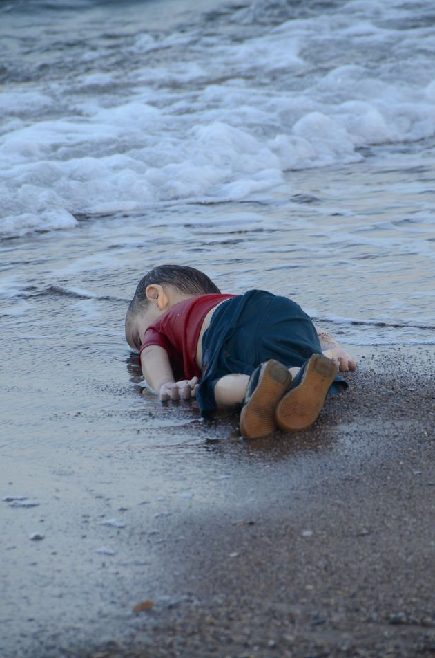 Photo of Drowned Child Shows The Horrific Toll Of Europe's Refugee Crisis