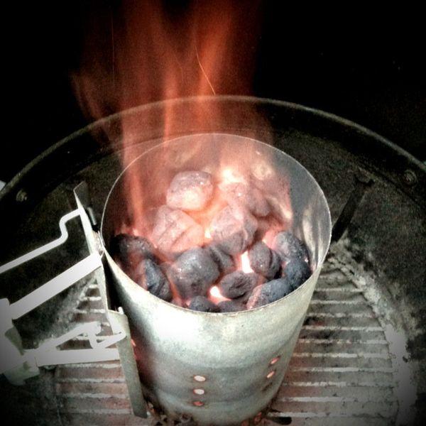 "The handy <a href=""http://www.weber.com/weber-nation/grill-skills/mastering-smoke/using-a-chimney-starter/using-a-chimney-sta"