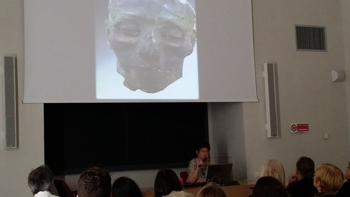 <span>Raffaella Bianucci presenting her study on </span><span>the mummy of Nebiri </span><span>at the Egyptology co