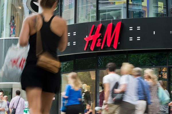 H&amp;M is the world's No. 1&nbsp;user of organic cotton.&nbsp;<br><br>In 2015, it committed to procuring&nbsp;100 percent of