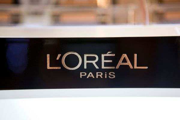 In 2015, L'Oréal USA announced it cut its CO2 emissions by 57 percent from a 2005 baseline, savin