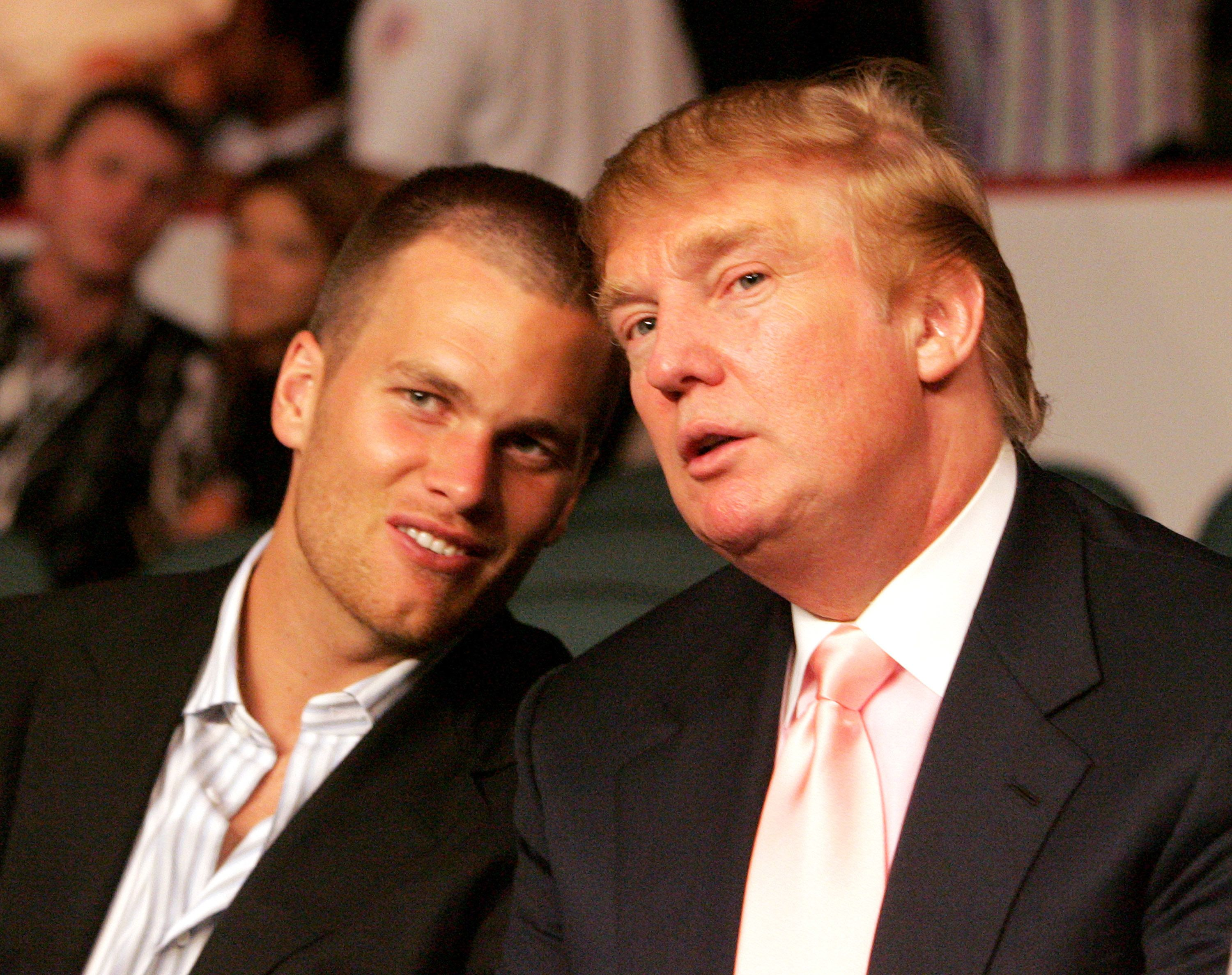 Famous guysTom Brady and Donald Trump have a moment.