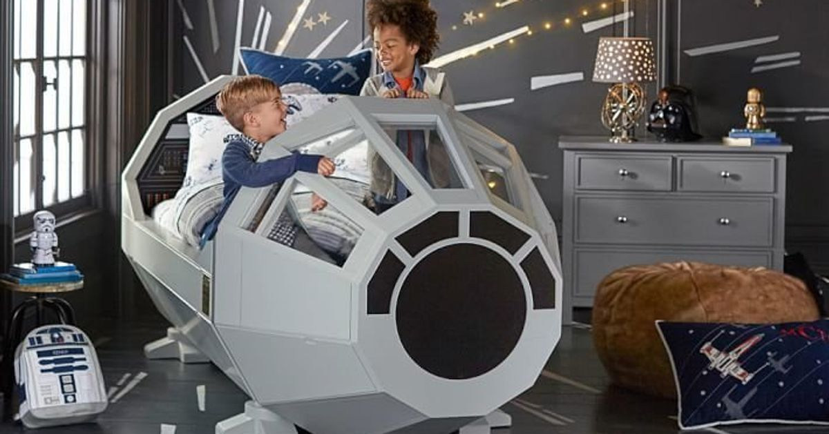pottery barn sells millennium falcon 39 star wars 39 bed. Black Bedroom Furniture Sets. Home Design Ideas
