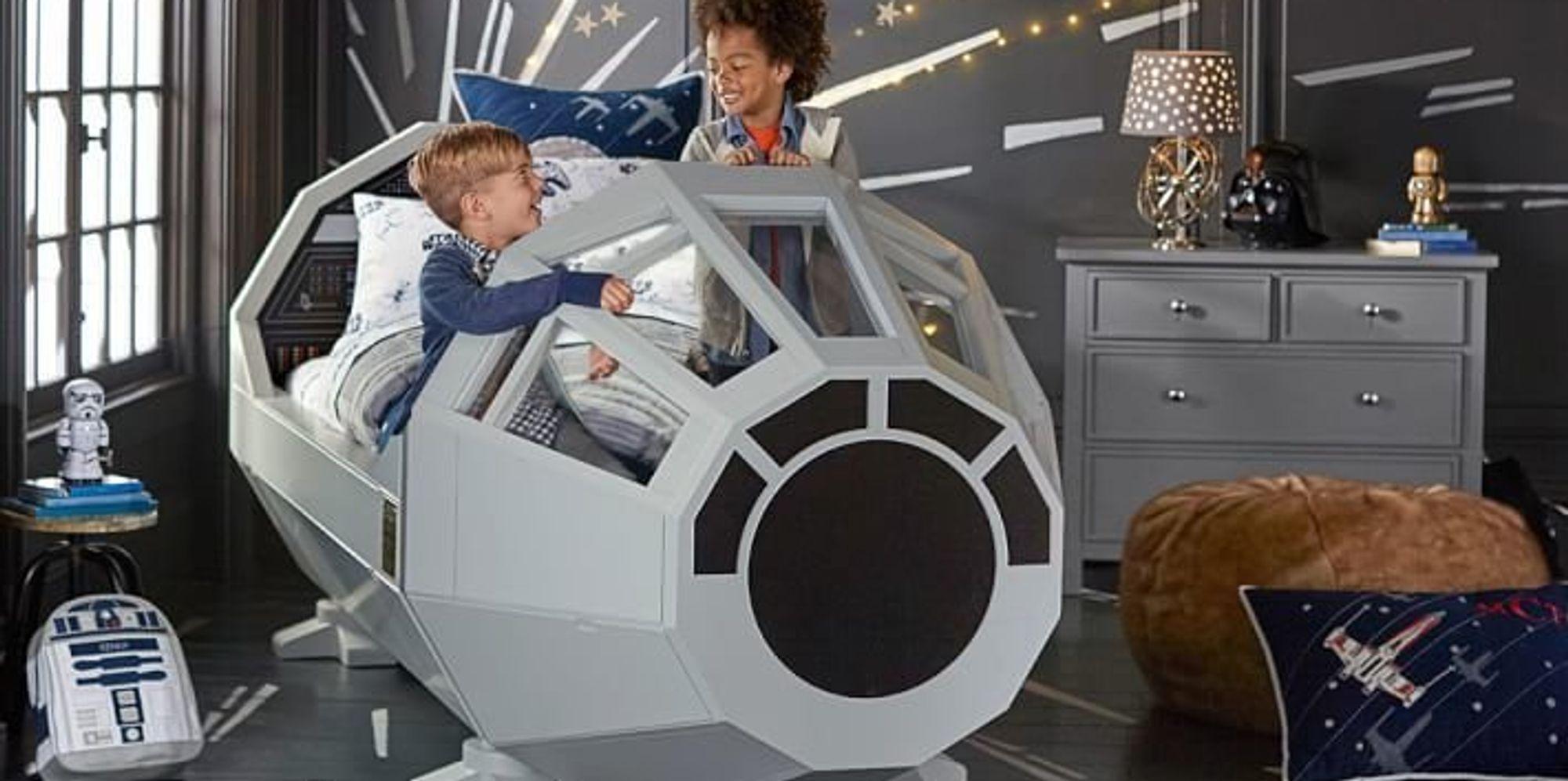 pottery barn sells millennium falcon 39 star wars 39 bed. Black Bedroom Furniture Sets. Home Design Ideas