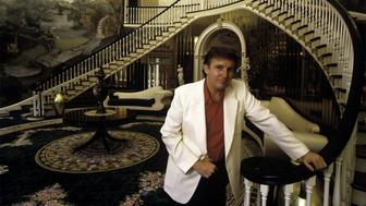 GREENWICH, CT- AUGUST 1987: Donald Trump, real estate mogul, entrepreneur, and billionare poses in the foyer of his home in August 1987 in Greenwich, Connecticut.   (Photo by Joe McNally/Getty Images)