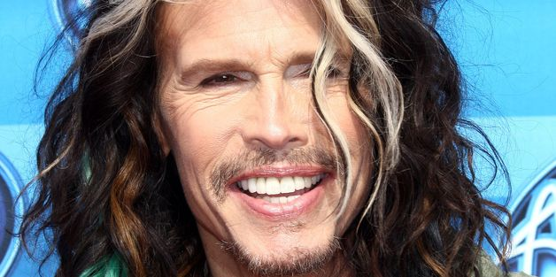 Steven Tyler Rocks Out With A Street Performer