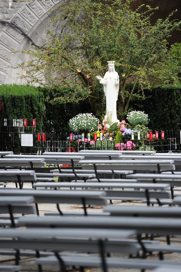"""Five children <a href=""""https://udayton.edu/imri/mary/a/apparitions-approved.php"""">said</a>&nbsp;that Mary appeared to them in"""