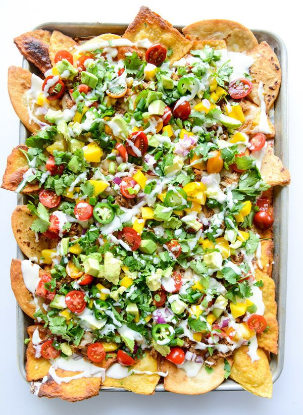 """<strong>Get the <a href=""""http://www.howsweeteats.com/2015/05/crispy-carnitas-oven-nachos-with-homemade-tortilla-chips/"""" targe"""