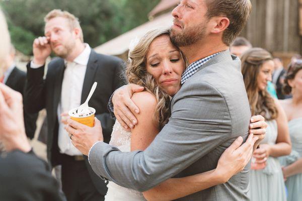 17 Times Wedding Photographers Captured Raw Beautiful Emotion