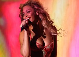 Jay Z Sings Along To Beyoncé During Her Made In America Show Because That's What Love Is