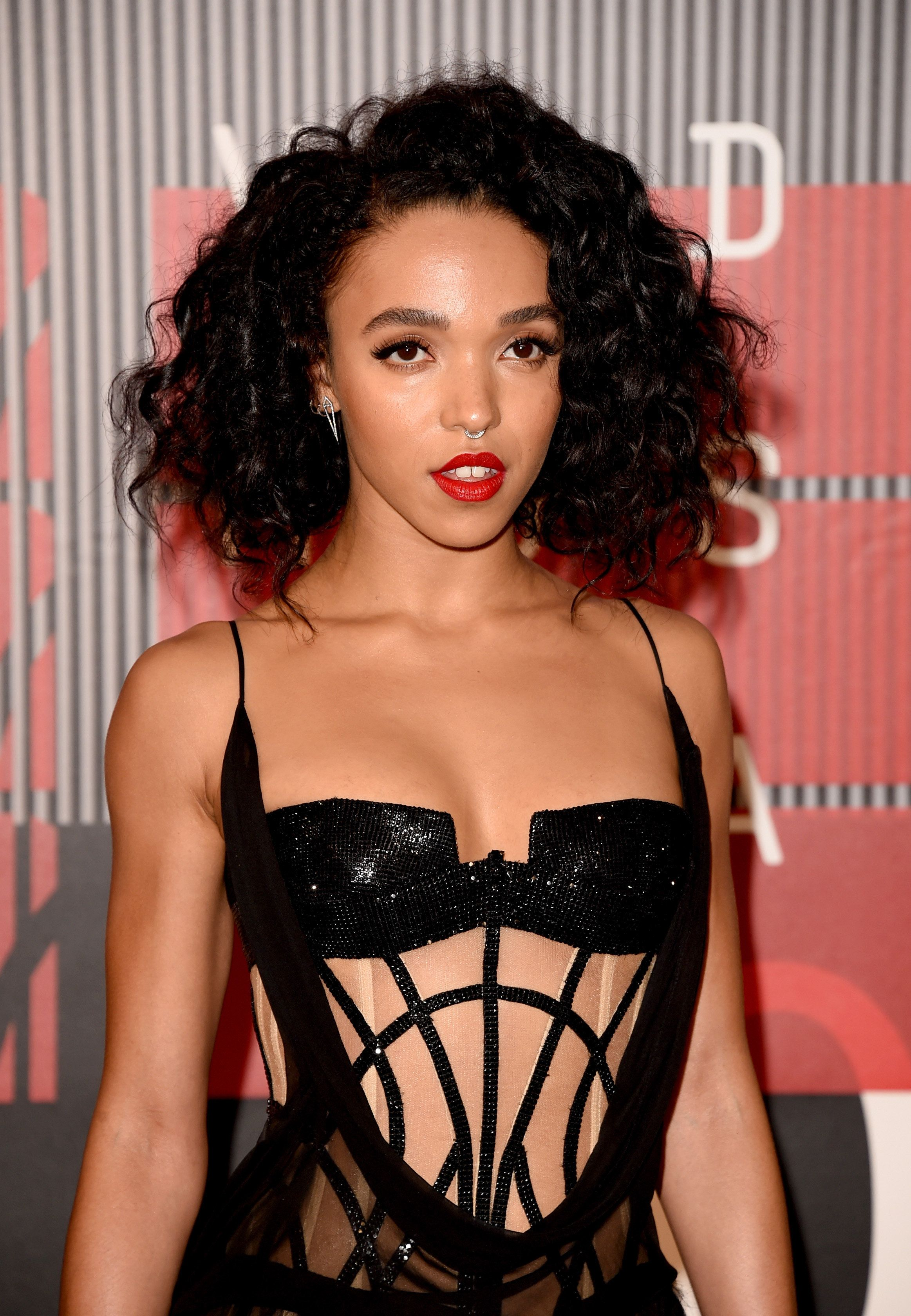 LOS ANGELES, CA - AUGUST 30:  Recording artist FKA twigs attends the 2015 MTV Video Music Awards at Microsoft Theater on August 30, 2015 in Los Angeles, California.  (Photo by Jason Merritt/Getty Images)