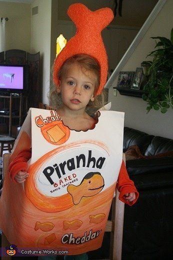 "<a href=""http://www.costume-works.com/costumes_for_kids/goldfish_piranha.html"">via Costume Works</a>"