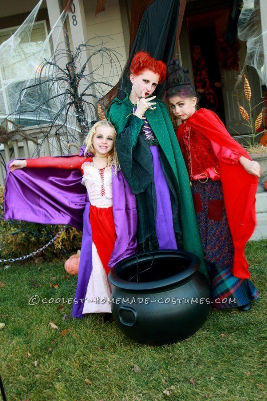 "<a href=""http://ideas.coolest-homemade-costumes.com/2013/11/13/cute-hocus-pocus-girls-group-costume/"">via Coolest Homemade Co"