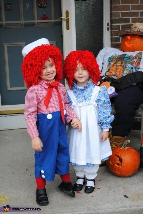 "<a href=""http://www.costume-works.com/costumes_for_kids/raggedy_ann_and_andy.html"">via Costume Works</a>"
