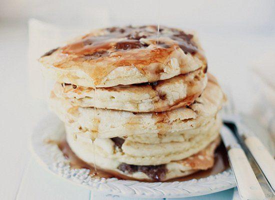 "<strong>Get the<a href=""http://www.honeyandjam.com/2011/04/sausage-pancakes-ode-to-internet.html#"" target=""_hplink""> Sausage"
