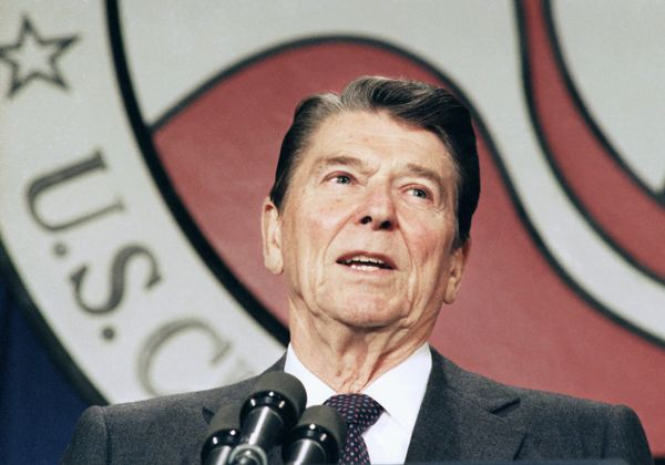 "<strong>What Happened</strong>: In 1986, President Ronald Reagan signed an immigration reform into law that <a href=""http://w"