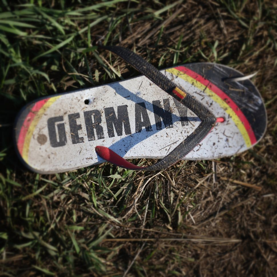 A flip flop that never made it to Germany left behind Roszke, Hungary.