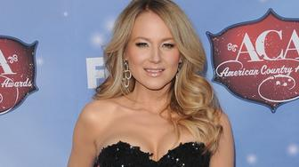LAS VEGAS, NEVADA - DECEMBER 10:  Singer Jewel Kilcher arrives at the American Country Awards 2013 at the Mandalay Bay Events Center on December 10, 2013 in Las Vegas, Nevada.  (Photo by Axelle/Bauer-Griffin/FilmMagic)