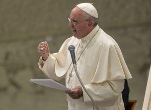 Pope Francis endorses Iran deal