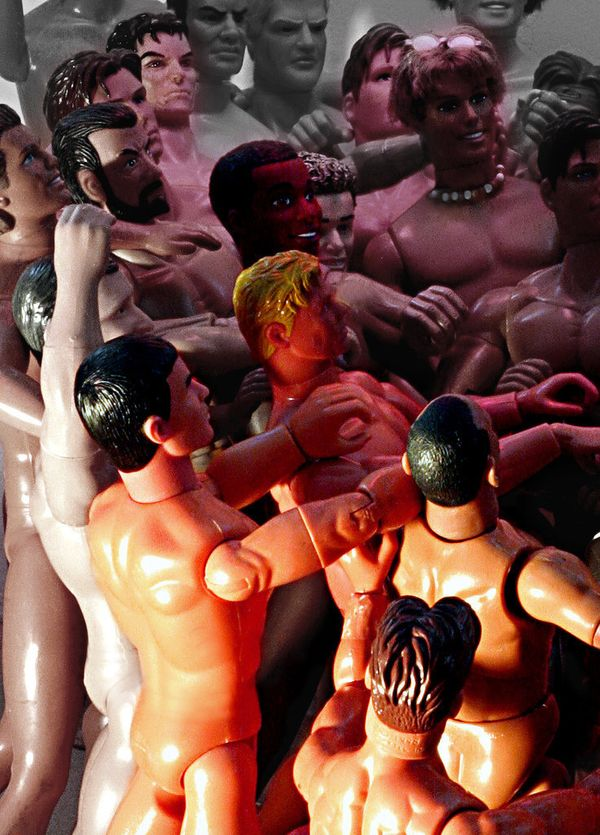 <strong>The Huffington Post: What inspired you to do this&nbsp;type of creatively homoerotic work?&nbsp;<br></strong>Bruce De