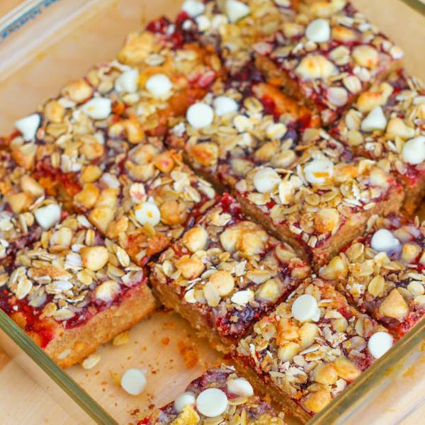 "<strong>Get the <a href=""http://sallysbakingaddiction.com/2012/09/06/peanut-butter-jelly-bars-with-white-chocolate-streusel-2"