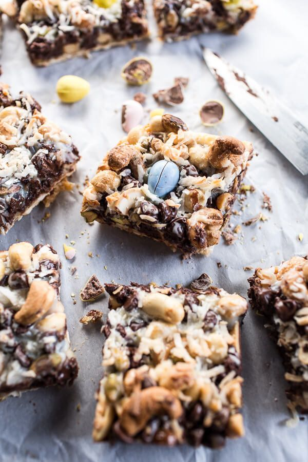 "<strong>Get the <a href=""http://www.halfbakedharvest.com/5-ingredient-magic-matzo-chocolate-bars/"" target=""_blank"">5 Ingredie"