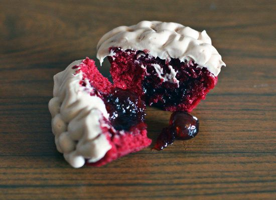 "<strong>Get the <a href=""http://www.bellebebes.co.uk/2012/10/halloween-brain-cakes/"">Monster Brain Cherry Cupcakes</a> from B"