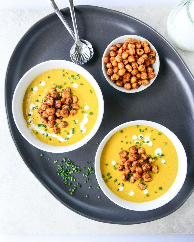 "<strong>Get the <a href=""http://www.howsweeteats.com/2014/09/smoked-gruyere-butternut-soup-with-spicy-chickpeas/"" target=""_bl"