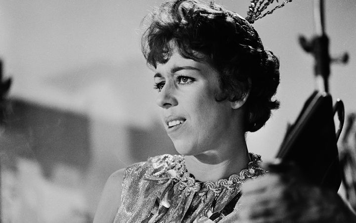 Curtains Ideas carol burnett curtain rod : Carol Burnett Is A Feminist Hero Whether She Knows It Or Not | The ...