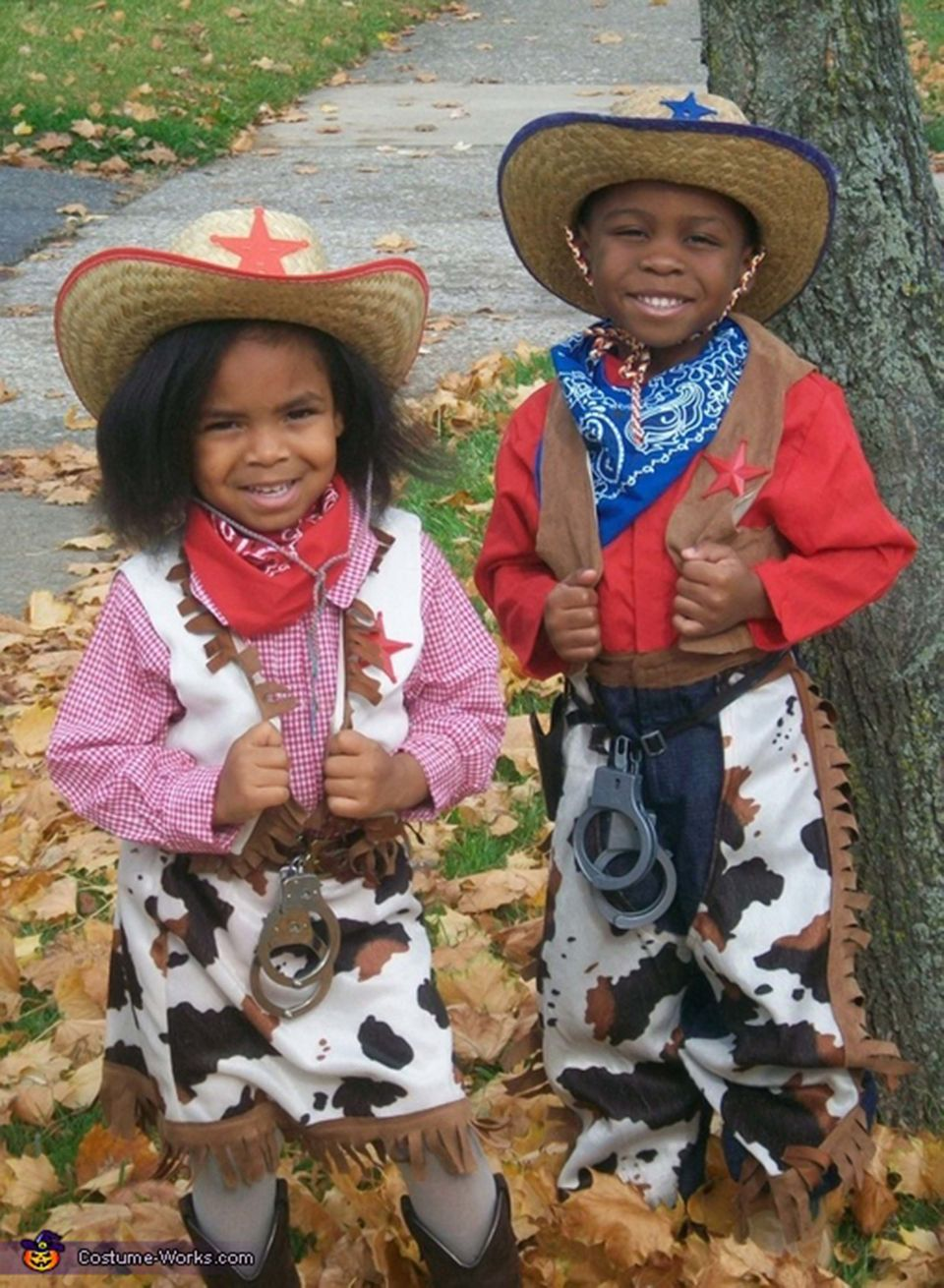 22 halloween costume for twins that are double the fun | huffpost life
