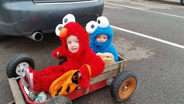 22 Halloween Costume For Twins That Are Double The Fun